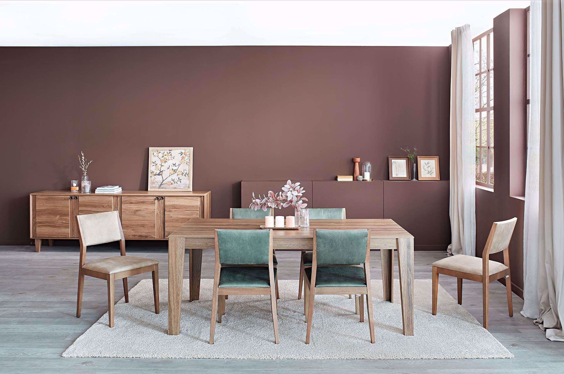 Lisbon Dining Room Set