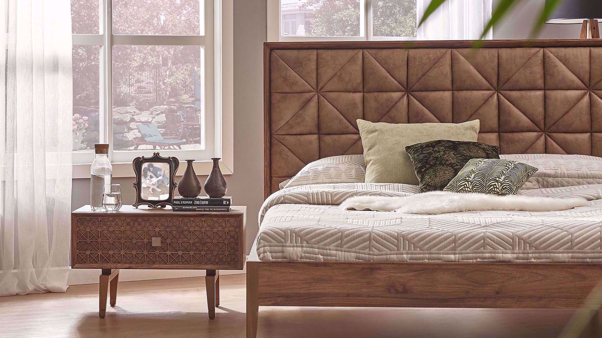 Monema Bedstead (with Base) 160*200cm (Incl. Headboard)